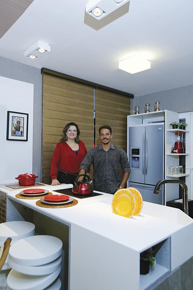 Canavarro e Barros Arquitetos no ambiente Cozinha/area de serviço no decor prime show 2016